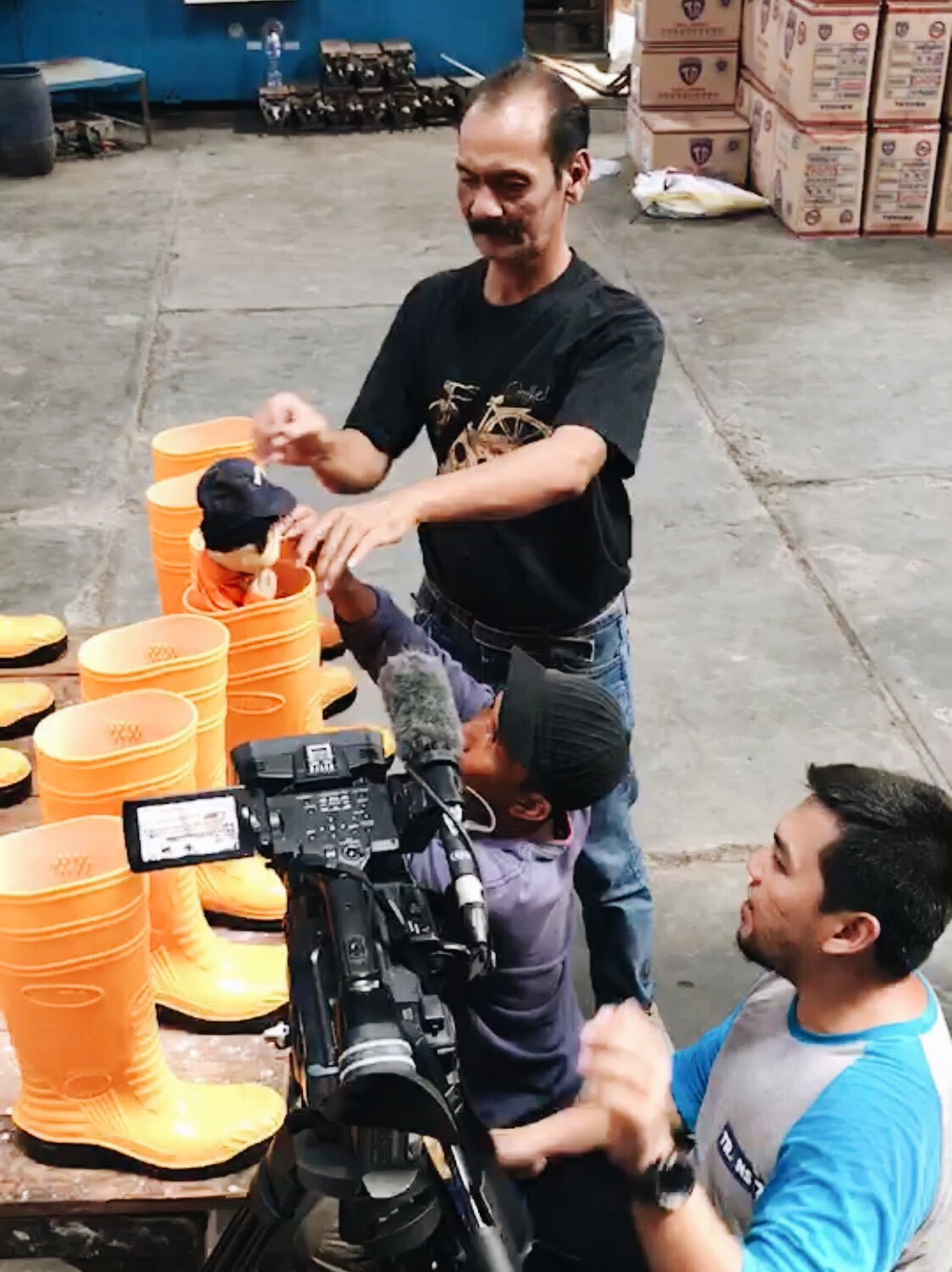 Shooting of Unyil at Toyobo Boots